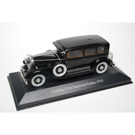 Atlas Al Capone's Cadillac V16 Series 452 LWB Armored Imperial Sedan by Fleetwood 1930 - Black