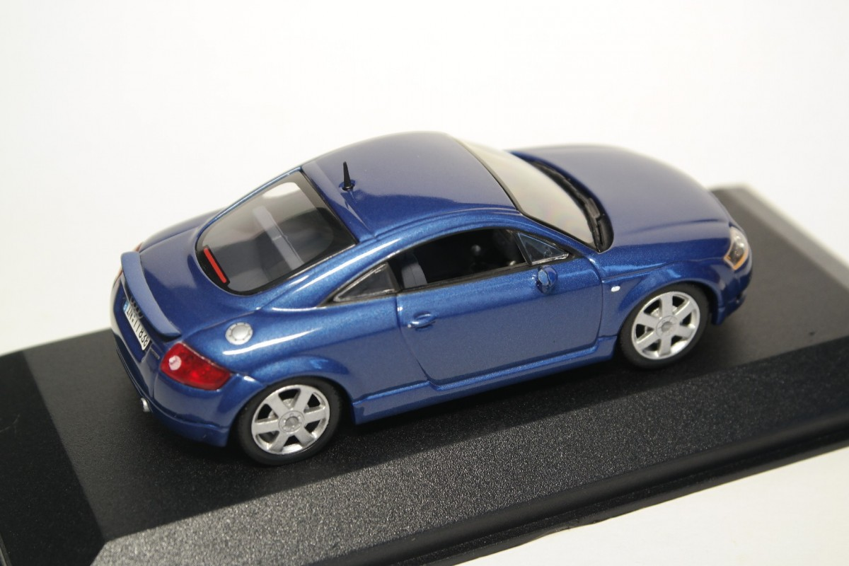 Minichamps Audi Tt Coupé Quattro 8n With Rear Spoiler 2000 Denim Blue Pearl