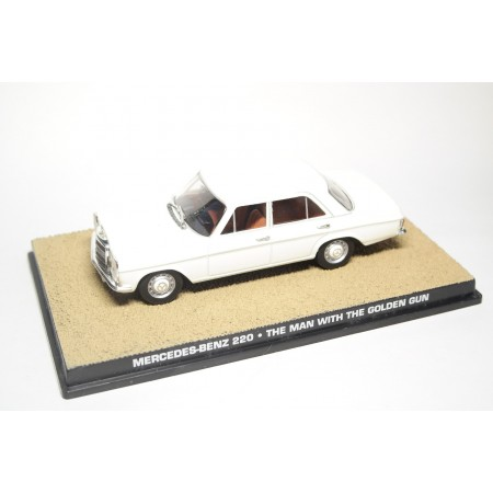 "Altaya Mercedes-Benz 220D RHD W115 ""Live and Let Die (1974)"" 1968 - White"
