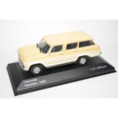 Whitebox Chevrolet Veraneio 1965 - Ivory/Light Beige