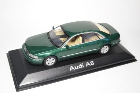 Minichamps Audi A8 D2 Facelift 2001 - Racing Green Pearl