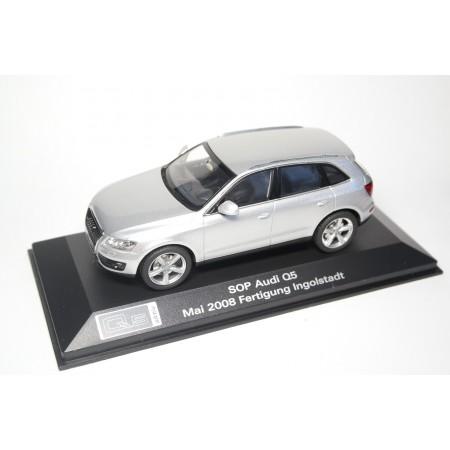 Schuco Audi Q5 3.0 TDI 8R 2008 - Ice Silver Metallic