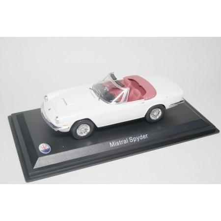 Whitebox Maserati Mistral Spyder 1964 - White