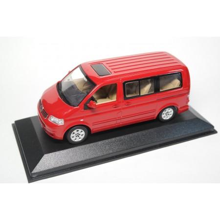 Minichamps Volkswagen Multivan T5 2003 - Tornado Red