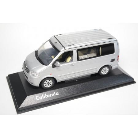 Minichamps Volkswagen California T5 Camper 2003 - Reflex Silver Metallic