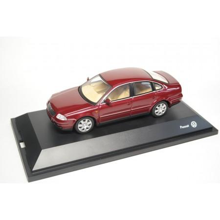 Schuco Volkswagen Passat V6 4motion Limousine B5 Facelift 2001 - Colorado Red Pearl