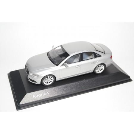 Minichamps Audi A4 Limousine B8 Facelift 2012 - Ice Silver Metallic