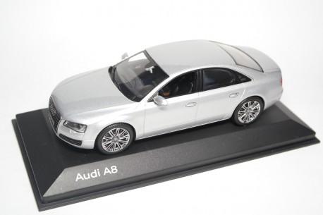 Kyosho Audi A8 TFSI D4 2010 - Ice Silver Metallic