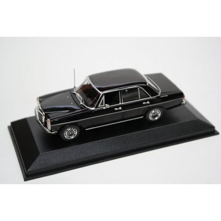 Maxichamps Mercedes-Benz 200 D W115 1968 - Black