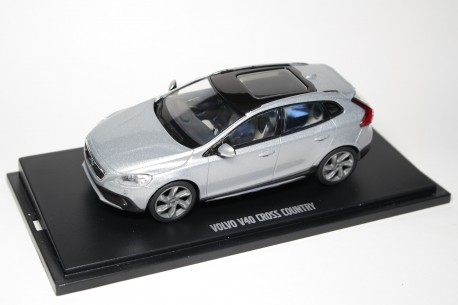 Motorart Volvo V40 Cross Country P1 2017 - Electric Silver Metallic