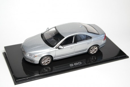 Norev Volvo S80 AS Second Facelift 2015 - Electric Silver Metallic