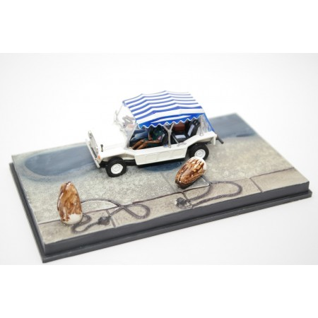 "Altaya Leyland Mini Moke YDO18 ""Live and Let Die (1973)"" 1972 - White"