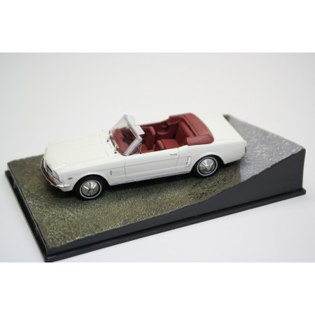 "Altaya Ford Mustang Convertible ""Goldfinger (1964)"" 1965 - Wimbledon White"