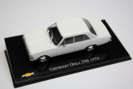 Hachette Chevrolet Opala 2500 1970 - Classic White