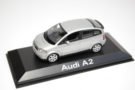 Minichamps Audi A2 3L 1999 - Light Silver Metallic