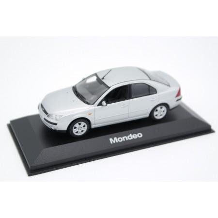Minichamps Ford Mondeo Mk.3 Limousine 2001 - Stardust Silver Metallic