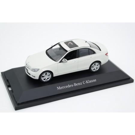 Schuco Mercedes-Benz C-Class Avantgarde W204 2007 - Calcit White