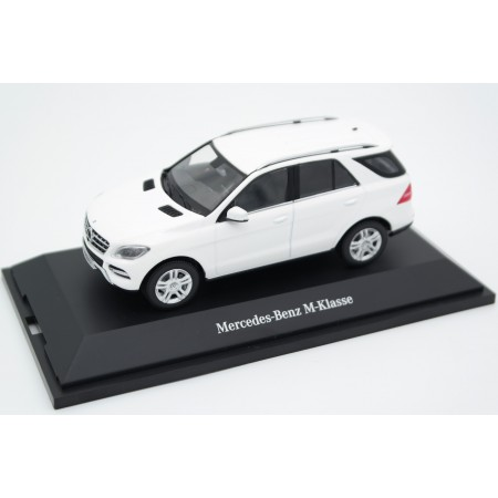 Minichamps Mercedes-Benz M-Class W166 2012 - Calcit White