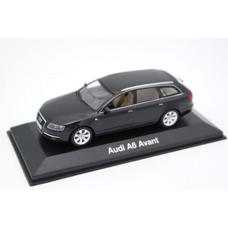 Minichamps Audi A6 Avant 3.2 C6 4F 2005 - Phantom Black Metallic