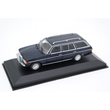 Maxichamps Mercedes-Benz 230 TE S123 1982 - Deep Blue