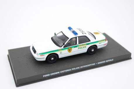 "Altaya Ford Crown Victoria Police Interceptor P71 ""Casino Royale (2006)"" 2001 - White"