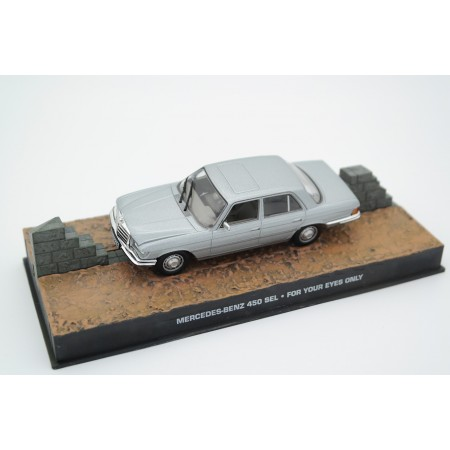 "Altaya Mercedes-Benz 450 SEL W116 ""For Your Eyes Only (1981)"" 1973 - Light Grey Silver Metallic"