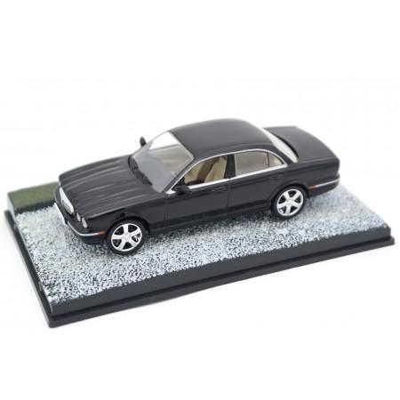 "Altaya Jaguar XJ8 X350 ""Casino Royale (2006)"" 2006 - Black"