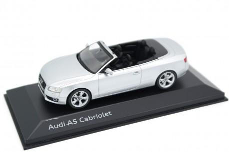 Schuco Audi A5 Cabriolet 3.0 TDI quattro 8F 2008 - Ice Silver Metallic
