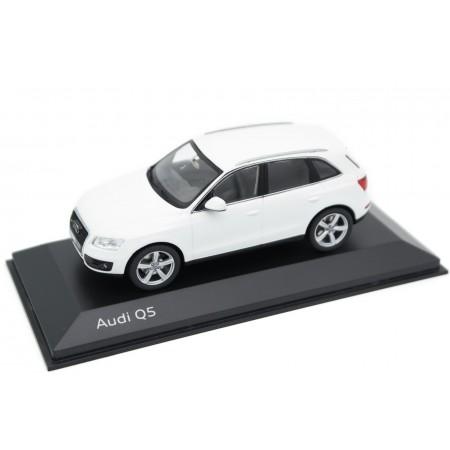 Schuco Audi Q5 3.0 TDI 8R 2008 - Ibis White