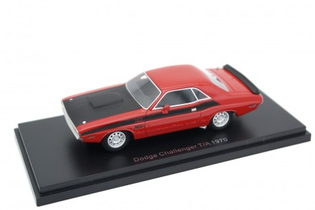 BoS-Models Dodge Challenger T/A 1970 - Bright Red with Black Bonnet