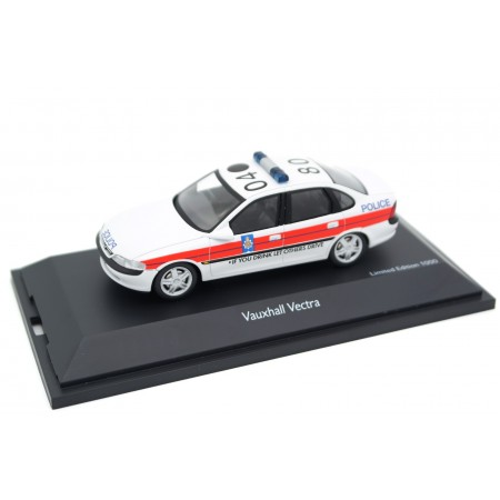 Schuco Opel Vauxhall Vectra B Lancashire Police 1997 - White