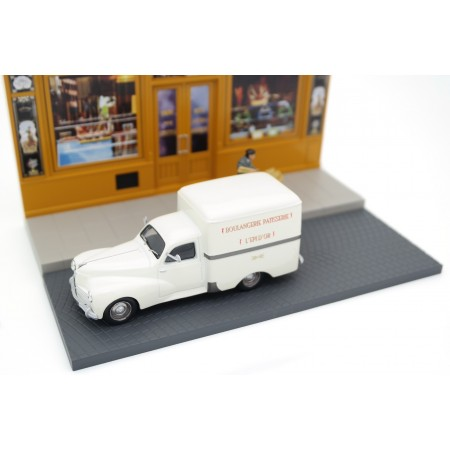 Peugeot 203 Van with Bakery Diorama