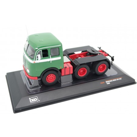 IXO Mercedes-Benz LPS 333 1960 - Forest Green/Bright Red