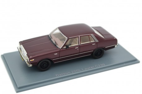 Neo Scale Models Datsun 200L Laurel C230 1977 - Sparkling Burgundy Metallic