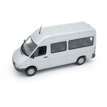 Minichamps Mercedes-Benz Sprinter 316CDI Bus W903 T1N Facelift 2000 - Zircon Silver Metallic