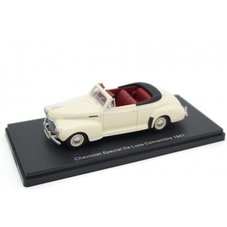 Neo Scale Models Chevrolet Special DeLuxe Convertible AH-2134 1941 - Cameo Cream