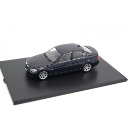 Minichamps BMW 3 Series E90 2005 - Monaco Blue Metallic