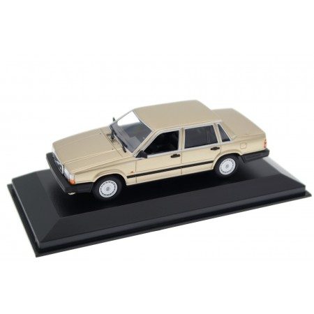 Maxichamps Volvo 740 GL 1986 - Gold Metallic