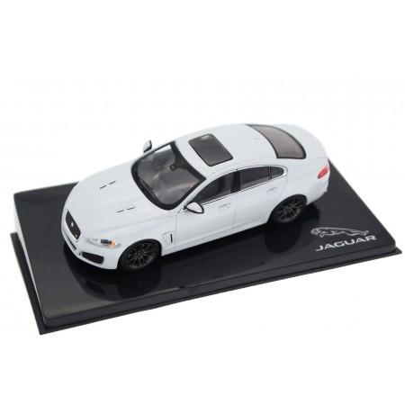 IXO Jaguar XFR 5.0 V8 X250 Facelift 2011 - Polaris White