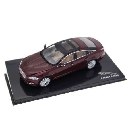 IXO Jaguar XJ Luxury SWB X351 2010 - Caviar Oxblood Maroon