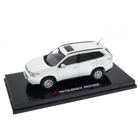 Vitesse Mitsubishi Outlander III SE 4WD CW0 2014 - Diamond White Pearl