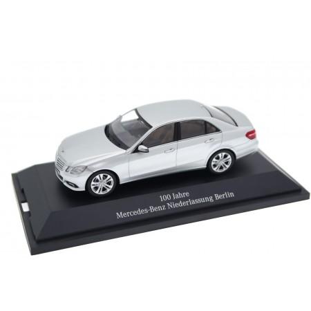 Schuco Mercedes-Benz E-Class Avantgarde W212 2009 - Iridium Silver Metallic
