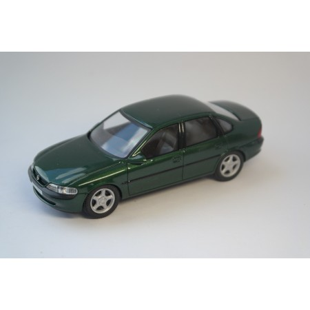 Schuco Opel Vectra B 2.5 V6 Sedan 1996 - Rio Verde Green Metallic